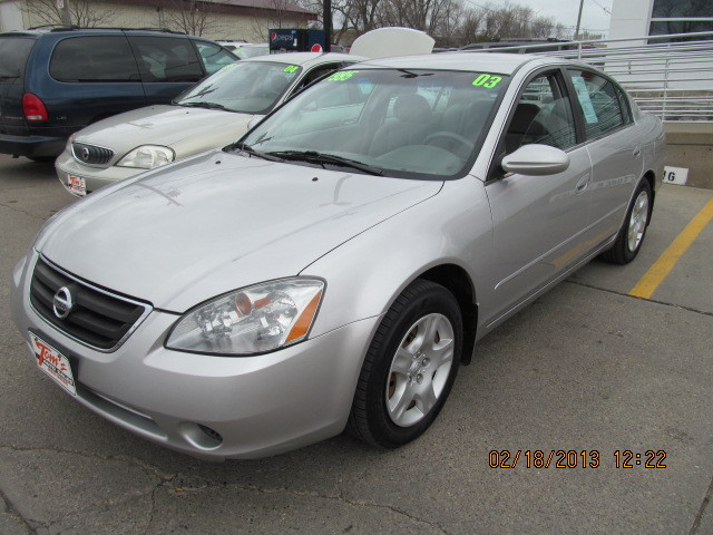2003 Nissan Altima For Sale In Des Moines Ia 49176