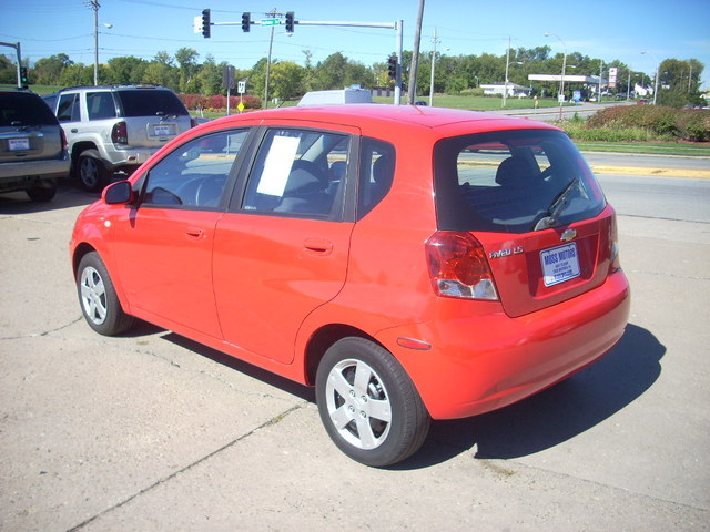 2006 chevrolet aveo for sale in des moines ia 535855. Black Bedroom Furniture Sets. Home Design Ideas