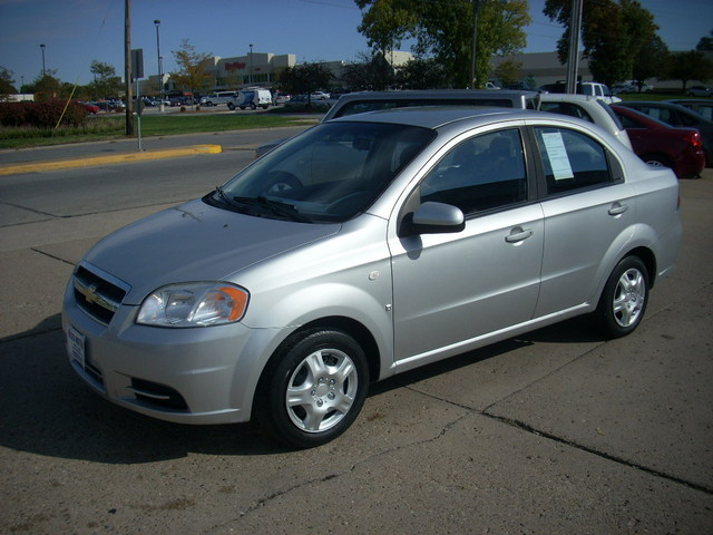2007 chevrolet aveo for sale in des moines ia 154019. Black Bedroom Furniture Sets. Home Design Ideas