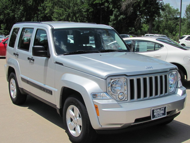 2011 jeep liberty for sale in ames ia 4567. Black Bedroom Furniture Sets. Home Design Ideas
