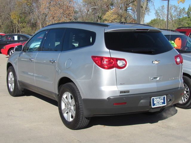 2011 chevrolet traverse for sale in ames ia 4478. Black Bedroom Furniture Sets. Home Design Ideas