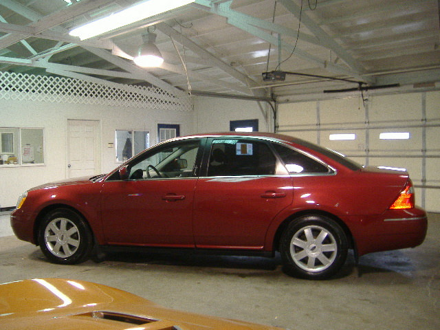 2006 Ford Five Hundred for sale in Pleasant Hill,IA - 670807