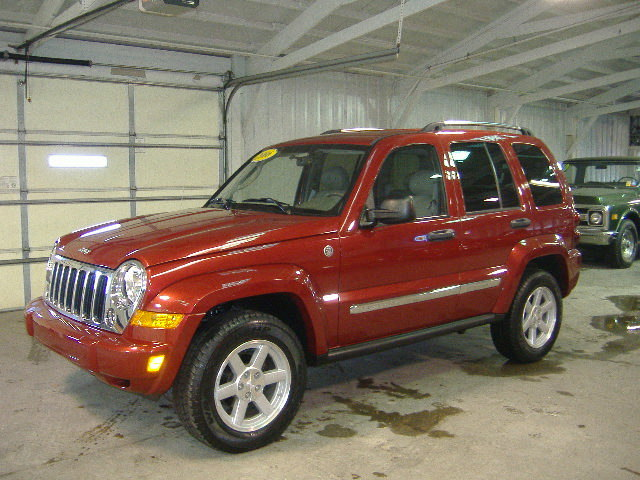 2006 jeep liberty for sale in pleasant hill ia 682791. Black Bedroom Furniture Sets. Home Design Ideas