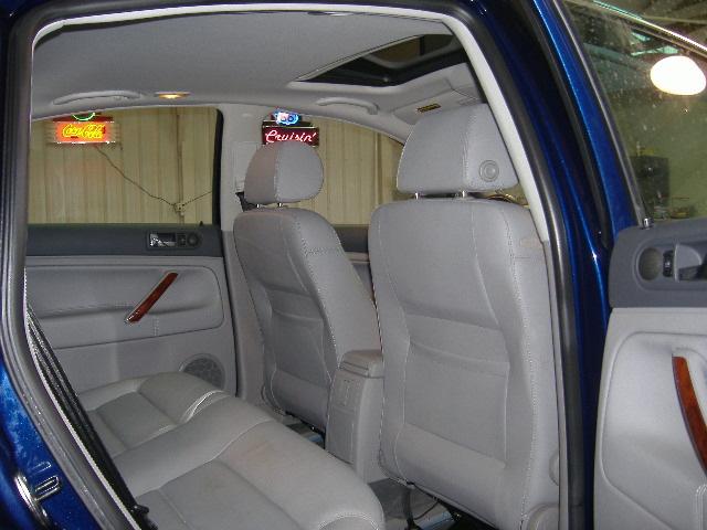 2004 Volkswagen Passat for sale in Pleasant Hill,IA - 445773