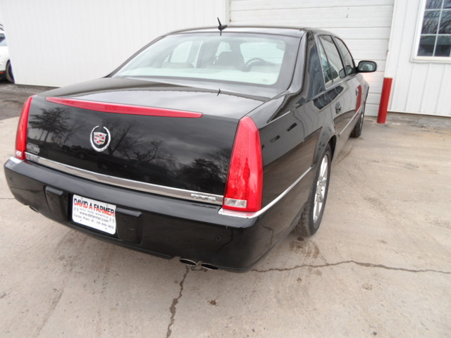 2006 Cadillac Dts For Sale In Center Point Ia 3733