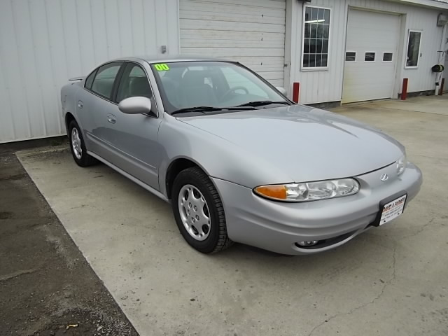 2000 oldsmobile alero for sale in center point ia 3633. Black Bedroom Furniture Sets. Home Design Ideas