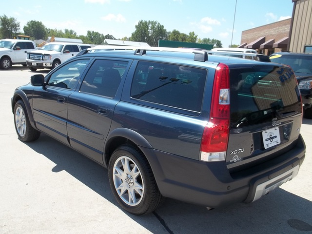 2007 volvo xc70 for sale in johnston ia 24a. Black Bedroom Furniture Sets. Home Design Ideas