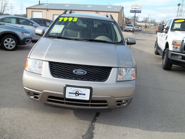 2005 ford freestyle for sale in johnston ia 8a. Black Bedroom Furniture Sets. Home Design Ideas