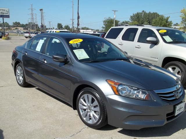 2011 honda accord for sale in johnston ia 7 for Honda accord 2011 for sale
