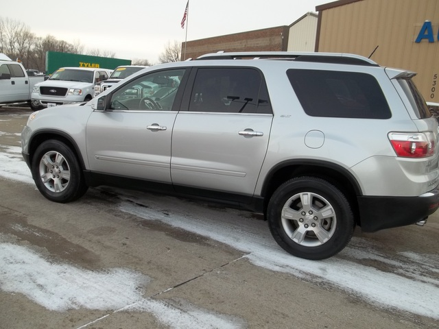 2009 gmc acadia for sale in johnston ia 34. Black Bedroom Furniture Sets. Home Design Ideas