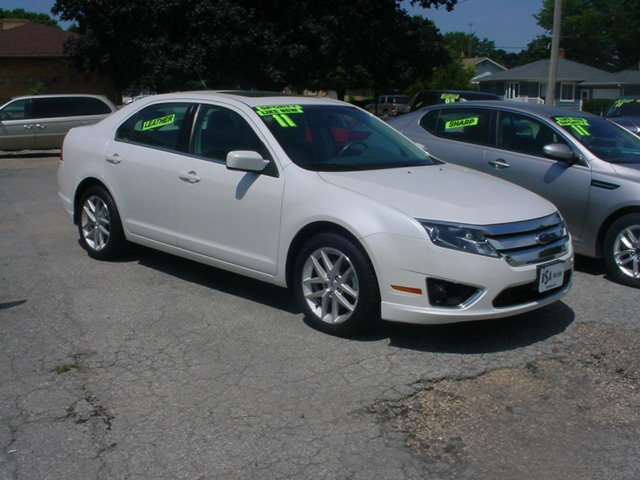 2011 ford fusion for sale in hampton ia 6949. Black Bedroom Furniture Sets. Home Design Ideas