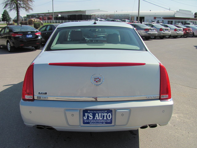 2007 Cadillac Dts For Sale In Manchester Ia 7u154457