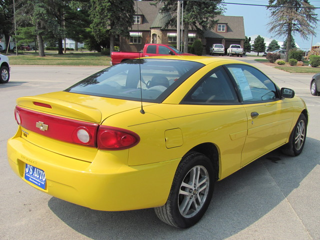 2004 chevrolet cavalier for sale in manchester ia 47238122. Black Bedroom Furniture Sets. Home Design Ideas