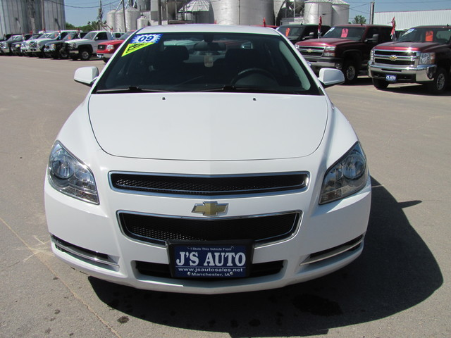 2009 chevrolet malibu for sale in manchester ia 4264544. Black Bedroom Furniture Sets. Home Design Ideas