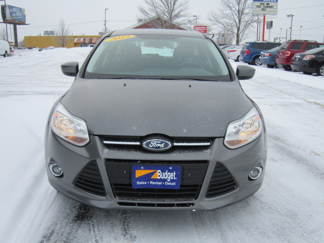 2012 ford focus for sale in cedar rapids ia 11301662. Black Bedroom Furniture Sets. Home Design Ideas