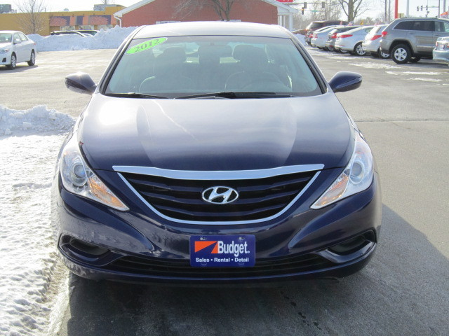 2012 hyundai sonata for sale in cedar rapids ia 11979682. Black Bedroom Furniture Sets. Home Design Ideas