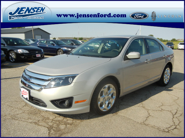 2010 ford fusion for sale in marshalltown ia 7791. Black Bedroom Furniture Sets. Home Design Ideas