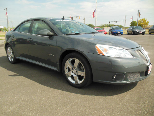 2008 pontiac g6 for sale in marshalltown ia 9122. Black Bedroom Furniture Sets. Home Design Ideas