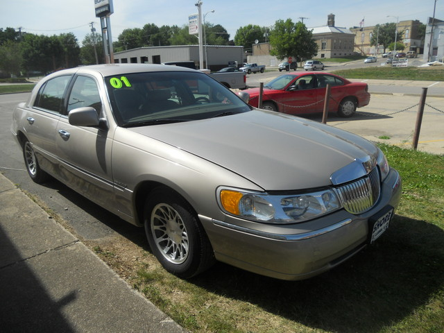 2001 lincoln town car for sale in clarinda ia c41c. Black Bedroom Furniture Sets. Home Design Ideas