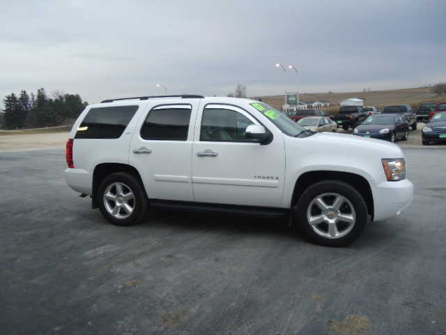 2007 chevrolet tahoe for sale in waukon ia 1719. Black Bedroom Furniture Sets. Home Design Ideas