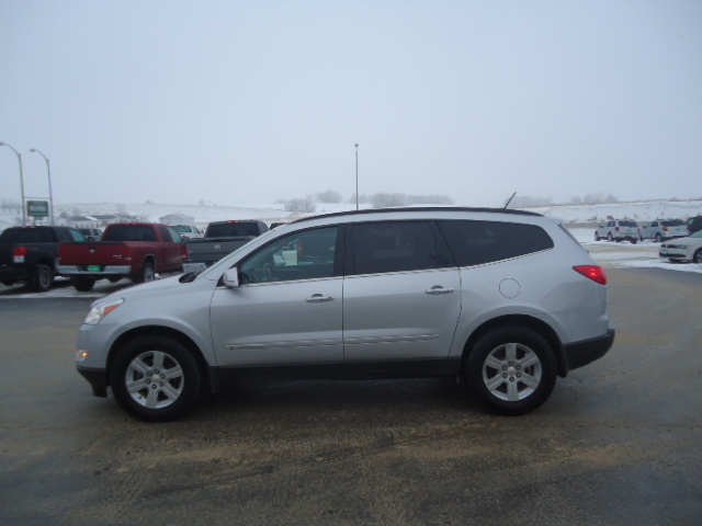 2009 chevrolet traverse for sale in waukon ia 1987. Black Bedroom Furniture Sets. Home Design Ideas