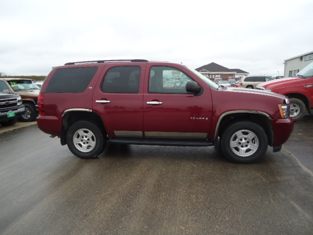 2007 chevrolet tahoe for sale in waukon ia 978. Black Bedroom Furniture Sets. Home Design Ideas