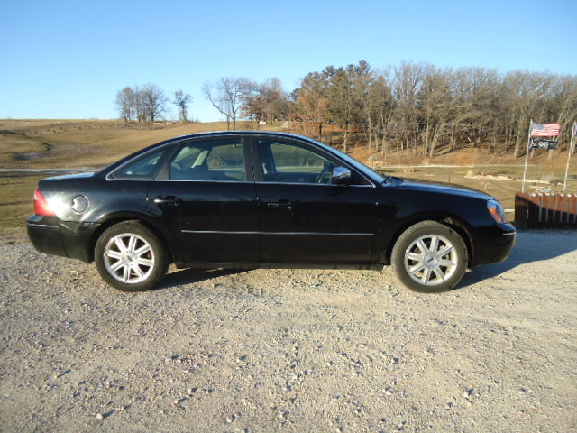 2005 ford five hundred limited sedan 4d for sale in waukon. Black Bedroom Furniture Sets. Home Design Ideas