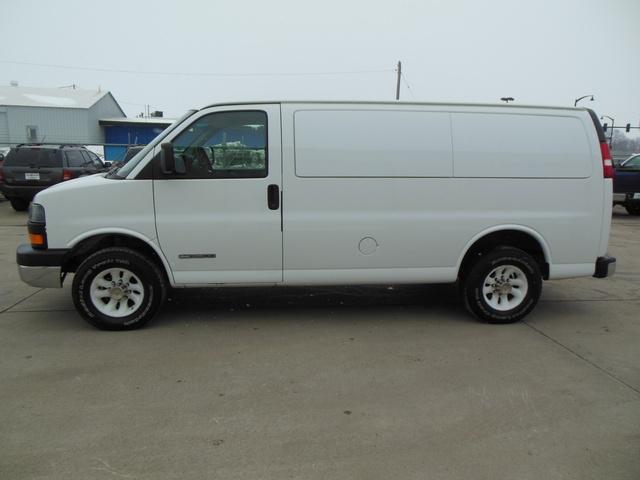 2003 gmc savana cargo van autos post for Capitaland motors glenville ny