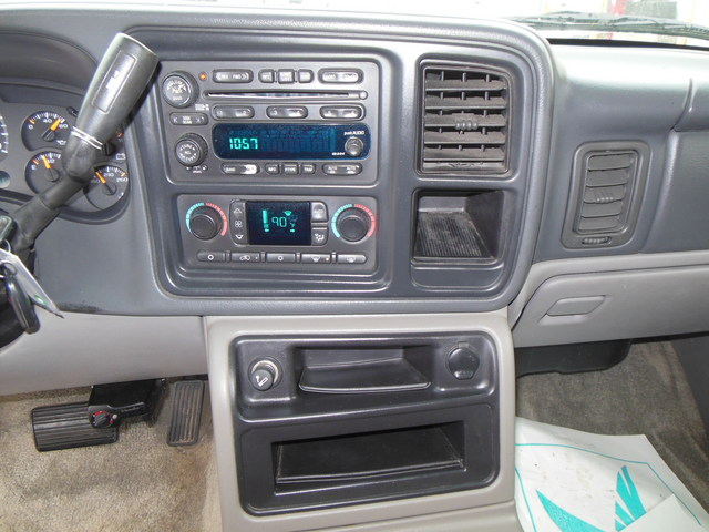 2003 chevrolet suburban bose stereo system