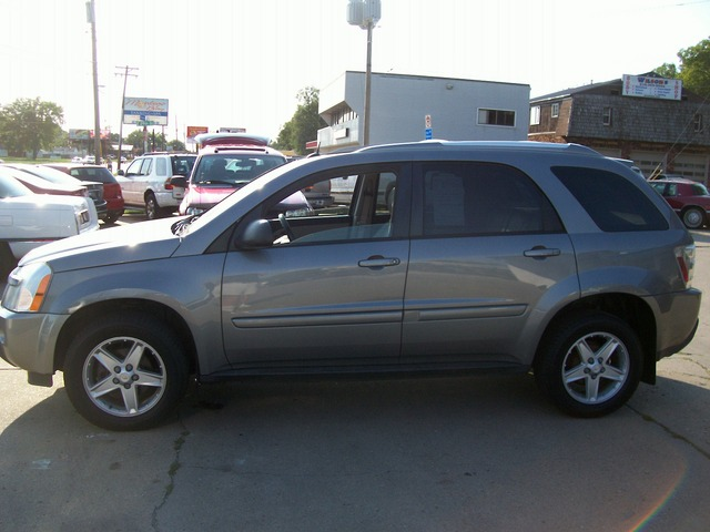 2005 chevrolet equinox for sale in des moines ia. Black Bedroom Furniture Sets. Home Design Ideas