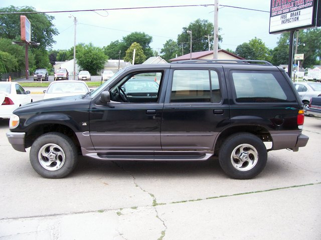 1997 Mercury Mountaineer For Sale In Des Moines Ia