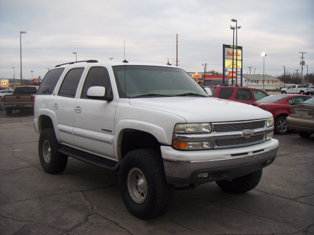 2003 chevrolet tahoe for sale in council bluffs ia 228993. Black Bedroom Furniture Sets. Home Design Ideas