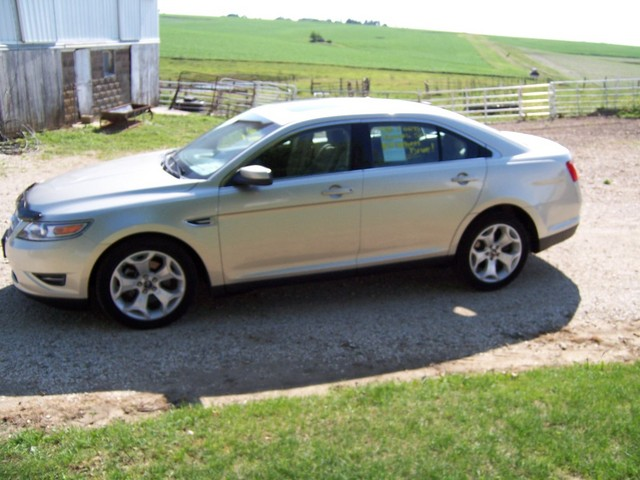 2011 ford taurus for sale in gladbrook ia 108968. Black Bedroom Furniture Sets. Home Design Ideas