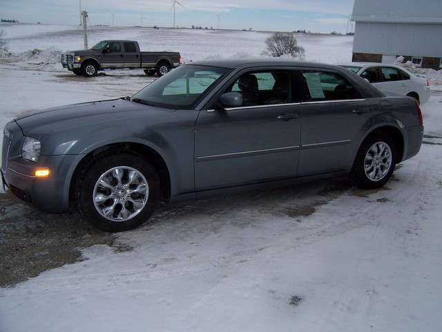 2006 Chrysler 300m For Sale In Gladbrook Ia 47752