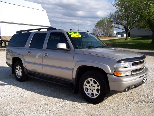 2005 chevrolet suburban 1500 for sale in gladbrook ia 277607. Black Bedroom Furniture Sets. Home Design Ideas