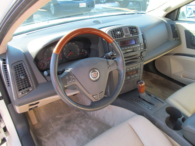 2003 cadillac cts for sale in des moines ia 06880. Black Bedroom Furniture Sets. Home Design Ideas