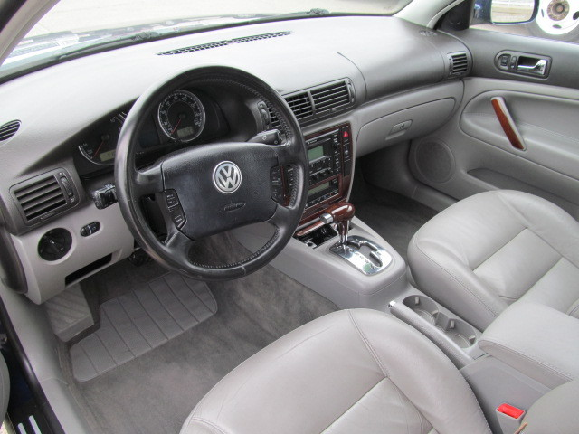 2003 Volkswagen Passat for sale in Des Moines,IA - 43577