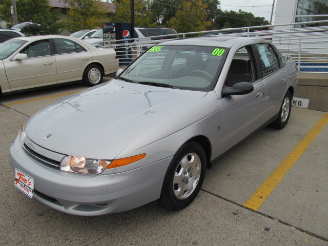 2000 Saturn SLS for sale in Des Moines,IA - 10382