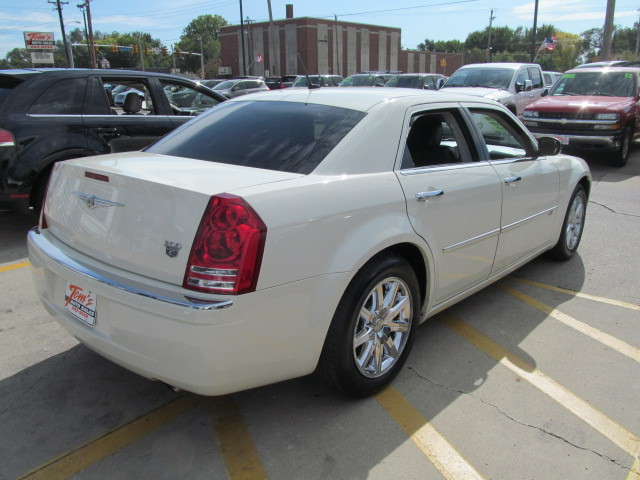 2008 Chrysler 300m For Sale In Des Moines Ia 07254