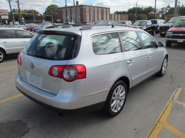 2007 Volkswagen Passat for sale in Des Moines,IA - 02112