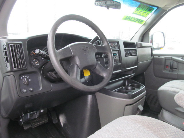 2003 Chevrolet Express Van G2500 For Sale In Des Moines Ia