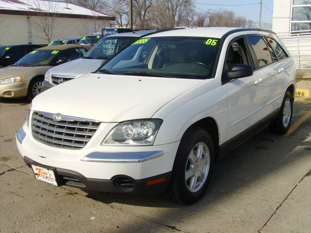 2005 Chrysler Pacifica For Sale In Des Moines Ia 80206