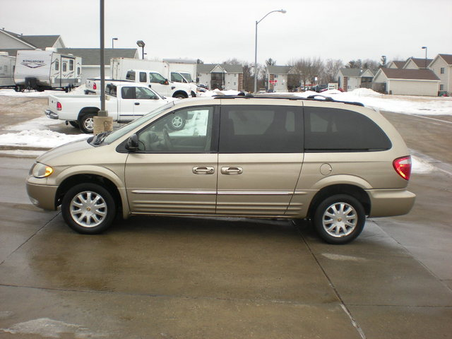 2002 chrysler town country for sale in polk city ia 60434. Black Bedroom Furniture Sets. Home Design Ideas