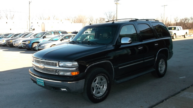 2004 chevrolet tahoe for sale in adel ia h012. Black Bedroom Furniture Sets. Home Design Ideas