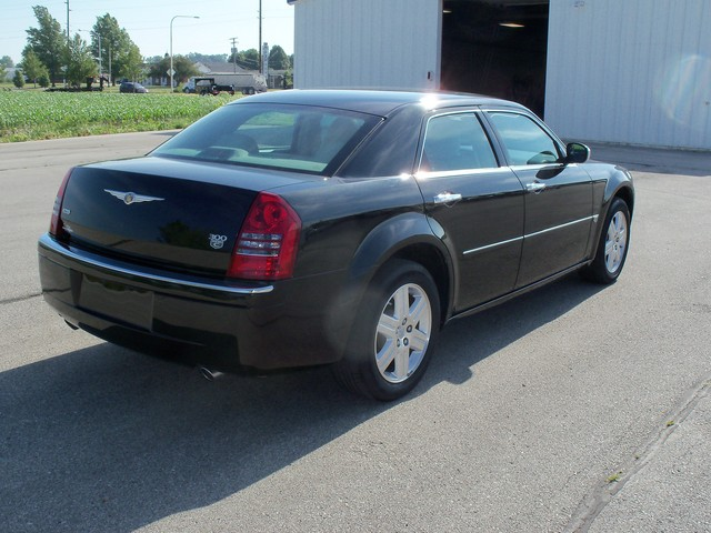 2006 Chrysler 300c Awd For Sale In Red Oak Ia H349947